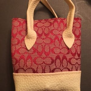 Small red bag with Geneva bracelet watch